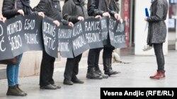 Žene u crnom na 24 godišnjicu ratnog zločina u Sjeverinu