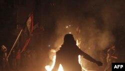 محتجون مصريون في مواجهات مع قوات الأمن قرب مبتى وزارة الداخلية