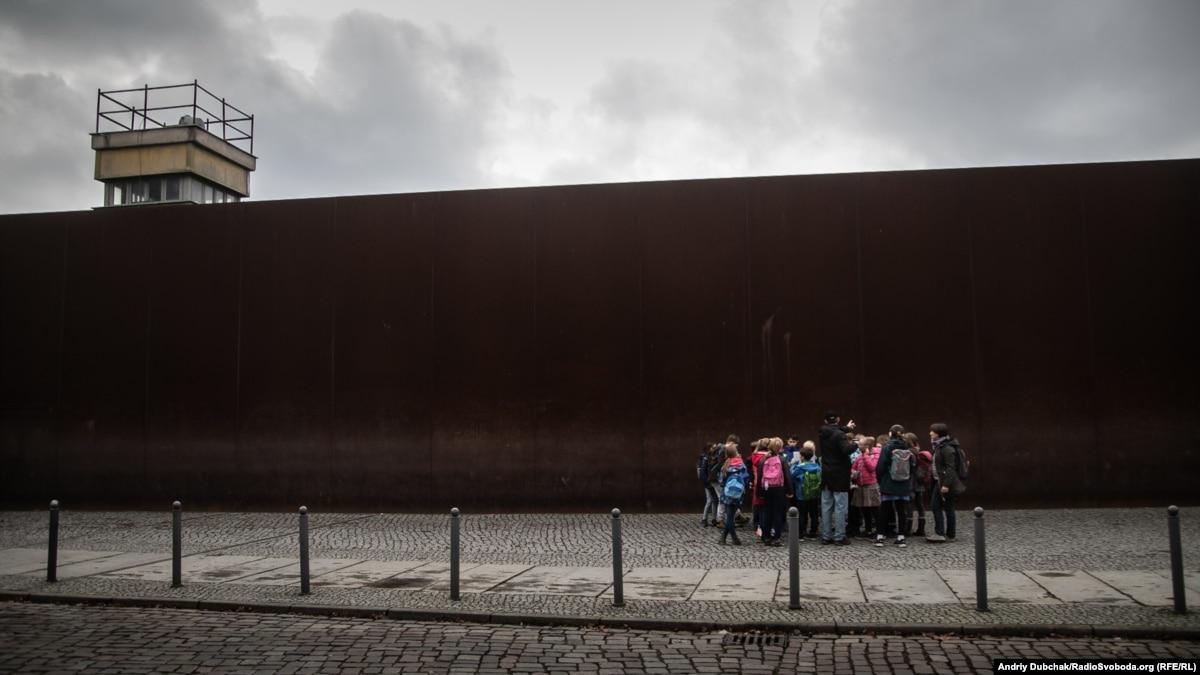 Берлинская стена: 30 лет нет физически, но все еще есть в головах – фоторепортаж