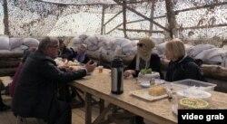 Участники акции по «гражданской блокаде» Крыма на Чонгаре