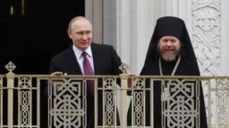 Владимир Путин и Тихон (Шевкунов)