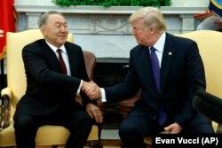 Президент США Дональд Трамп зустрівся з президентом Казахстану Нурсултаном Назарбаєвим у овальному відділенні Білого дому у Вашингтоні, 16 січня 2018 рік