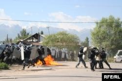 Столкновение с полицией в Шаныраке. Алматы, 14 июля 2006 года