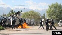 Атака полицейских на поселок Шанырак. Алматы, 14 июля 2006 года.
