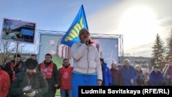 Ульяна Михайлова на митинге против химзавода