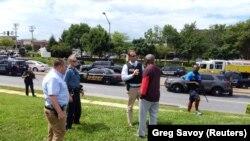 Полиция на месте массовой стрельбы в Аннаполисе