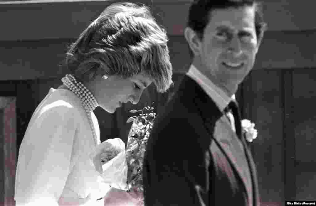 Принцеса Діана на прогулянці з принцом Чарльзом до павільйону «Каліфорнія» у Ванкувері, Канада, 6 травня 1986 року.