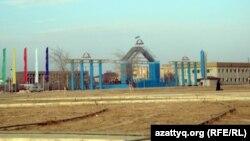 Жаңаөзен қаласының орталық алаңы. Жаңаөзен, 15 қаңтар 2012 жыл.