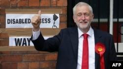 Джереми Корбин, Ұлыбритания парламентіндегі лейбористер жетекшісі.