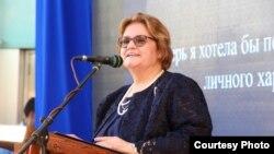 АКШнын Кыргызстандагы элчиси Шейла Гуолтни.