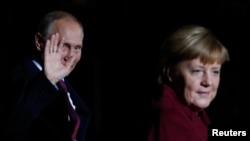 Володимир Путін, Анґела Меркель, архівне фото