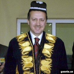 Türkiýäniň prezidenti Erdogan, Samarkant 2003-nji ýyl.