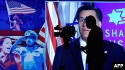 Митт Ромнидің сайлау алды үгіт-насихат жүргізіп тұрған сәті. Вашингтон, 6 наурыз 2012 жыл