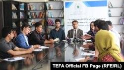 محمد نعیم ایوبزاده رئیس بنیاد انتخابات شفاف افغانستان هنگام توضیح در مورد بررسی انتخابات ریاست جمهوری، ۸ اگست، ۲۰۱۹