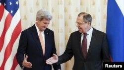 Sekretari amerikan i Shtetit, John Kerry dhe ministri i Jashtëm rus, Sergei Lavrov, gjatë takimit të sotëm, 24 mars, 2016