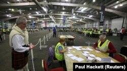 Подсчет голосов в Эдинбурге. 18 сентября 2014 года.
