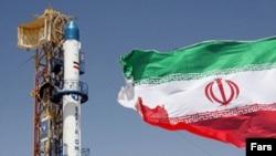 به گفته مقام های نظامی آمریکا، موشک پرتاب شده ایرانی از مسير خود خارج و در نتيجه، بخش فوقانی و دماغه آن منفجر شده است.(عکس: فارس)
