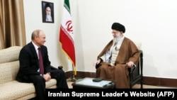IRAN -- Iran's supreme leader Ayatollah Ali Khamenei (R) meets with Russian president Vladimir Putin in Tehran, November 1, 2017