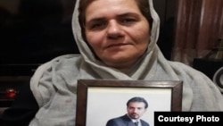 فرنگیس مظلوم، مادر سهیل عربی، نیز به اتهام «تبلیغ علیه نظام» به شش سال حبس محکوم شده است.