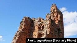 Руіны Наваградзкага замку, ілюстрацыйнае фота