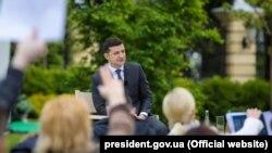 Уладзімір Зяленскі падчас прэс-канфэрэнцыі ў Кіеве 20 траўня 2020 году
