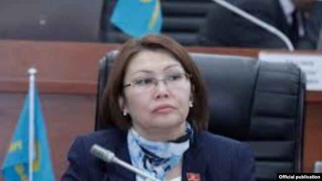 Алтынай Өмүрбекова.