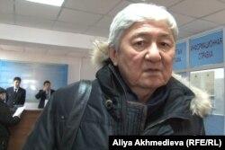 Политик Толеген Жукеев на суде по делу об убийстве Алтынбека Сарсенбаева и двух его помощников. Талдыкорган, 10 января 2014 года.