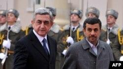 Serzh Sarkisian və Mahmud Ahmadinejad Yerevanda, 23 dekabr 2011