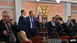 """Начало заседания в верховном суде России по иску министерства юстиции о запрете """"Свидетей Иеговы"""", Москва, 20 апреля 2017 года."""