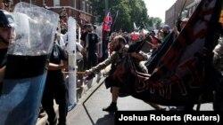 Ազգայնականների ու նրանց ընդդիմախոսների բախումը Չարլոթսվիլ քաղաքում, ԱՄՆ, 12 օգոստոսի, 2017