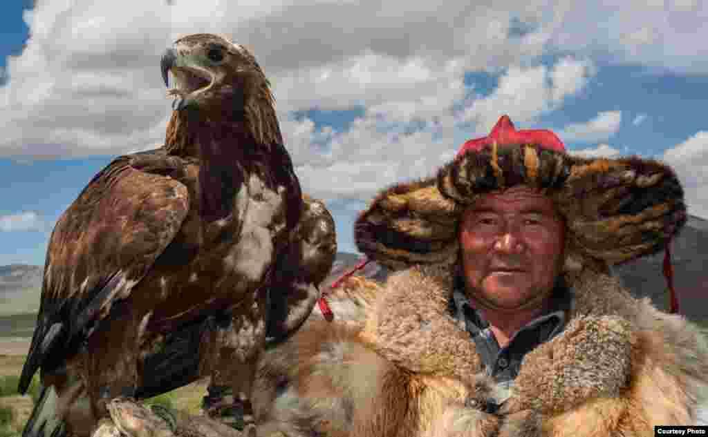 Бүркітші.Баян-Өлгий аймағы, Моңғолия, 2014 жыл.