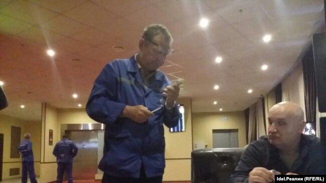 Охранник казино избил полицейского игровые автоматы играть бесплатно онлайн сокровище пиратов