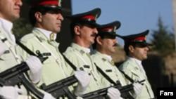 نیروهای پلیس ایران در یک مانور امنیتی