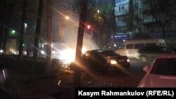 Бишкекте унаа өрттөнүп жатат