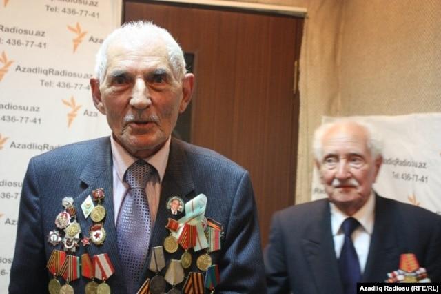Bəkir Məmmədov və Həzi Məmmədov (sağda)