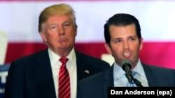 Donald Trump və oğlu Donald Trump seçki kampaniyası zamanı