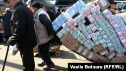 La Piaţa centrală din Chişinău