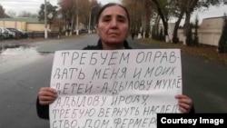 Раҳбархон Одилова 2014 йилда ўтказган пикетлардан бири.