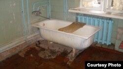 Ванна кімната в Козелецькому геріатричному відділенні (Чернігівська область)