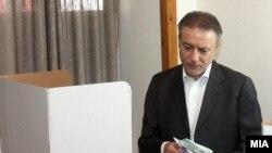 Лидерот на СДСМ Бранко Црвенковски рече дека додека не се расчистат нерегуларностите, отворени се сите опции вклучувајќи и неучество во вториот изборен круг