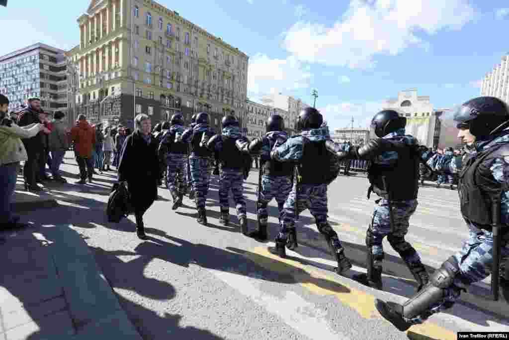 """Мәскеу мэриясында полиция әрекетін """"заңды"""" деп мәлімдеді."""