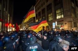 Митинг правых популистских организаций в Берлине. 2016 год