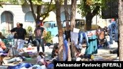 Izbeglice u parku u Beogradu