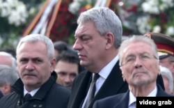 Liviu Dragnea (stânga), Mihai Tudose (centru) și fostul președinte Emil Constantinescu, la funeraliile Regelui Mihai
