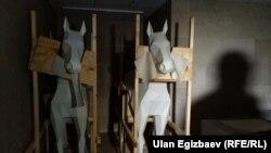Деревянные лошади в Национальном историческом музее.