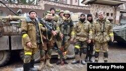 Захисники Донецького аеропорту після виходу з нового терміналу. Грудень 2014 року
