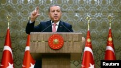 Recep Tayyip Erdoğan Ankaradakı prezident sarayında çıxış edib