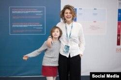 Юлія Соболь з донькою