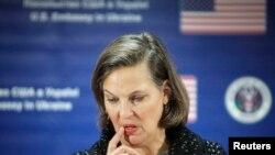 Victoria Nuland, intr-o conferință de presă la ambasada americană din Kiev, astăzi, 7 februarie, 2014