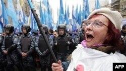Европа удивилась разгулу украинской демократии и рекомендовала получше ее регламентировать